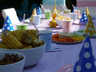 Healthier kids' party food