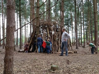 Build a den on the Stick Man Trail
